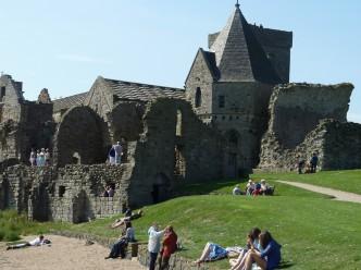 Il complesso monastico di Inchcolm Abbey
